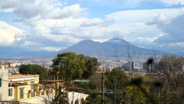 zicht op de Vesuvius vanaf Napels