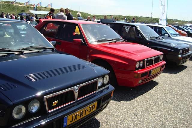 Klassieke Lancia Delta's op Italia a Zandvoort