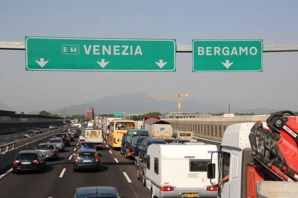 met de auto naar Italië