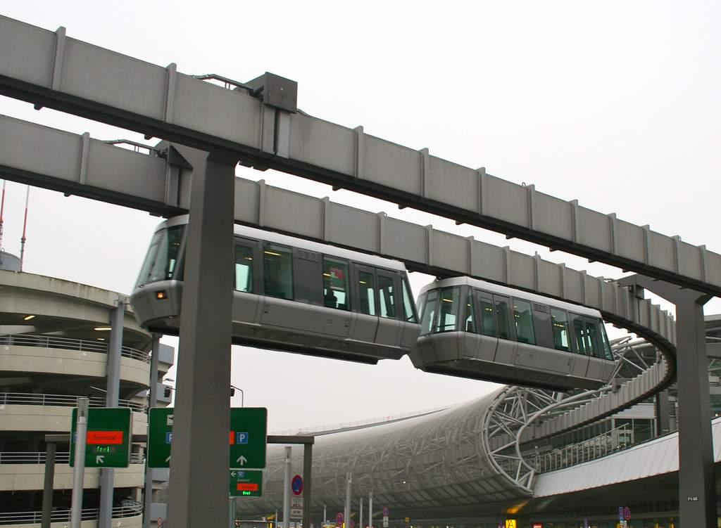 skytrain dusseldorf airport