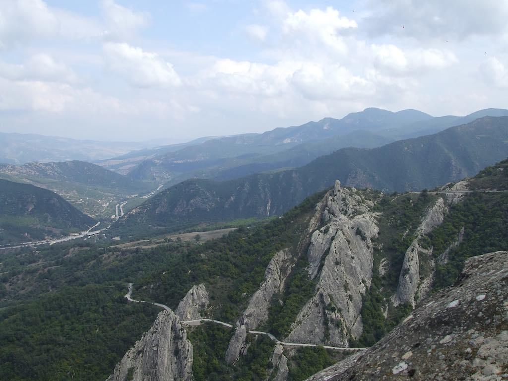 Het uitzicht in de bergen bij Castelmezzano