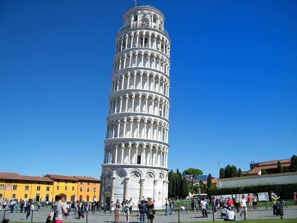 aanslag op de Scheve Toren van Pisa voorkomen