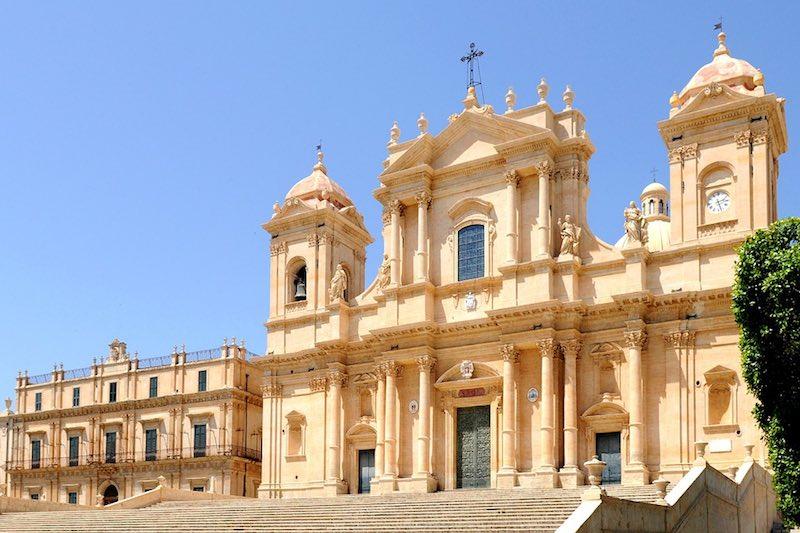 backpacken-sicilie-noto