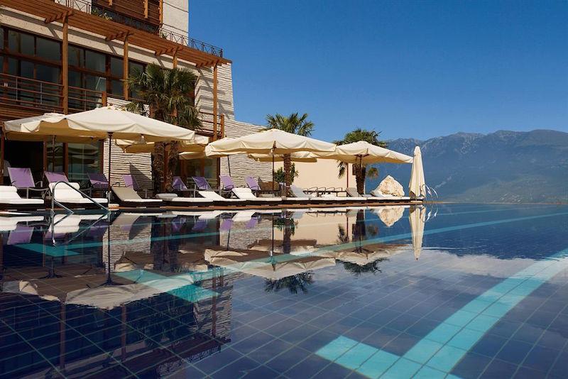 hotelzwembad-lefay-resort-en-spa-gargnano-2