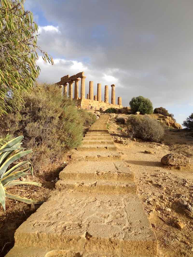 Minder druk bij de grote toeristische highlights: de Tempelvallei bij Agrigento