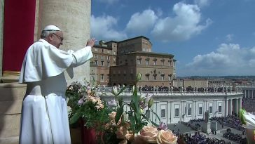 Paus Franciscus luidt het paasfeest in