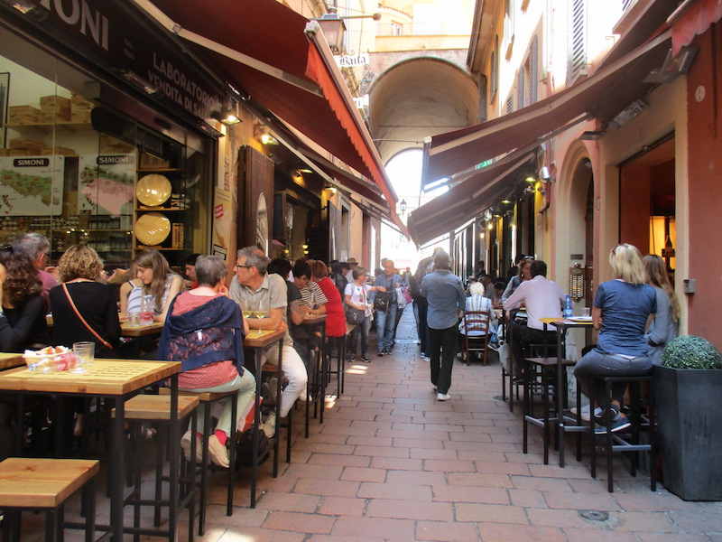 De gezelligste straat van Bologa - Via Vecchie Pescerie
