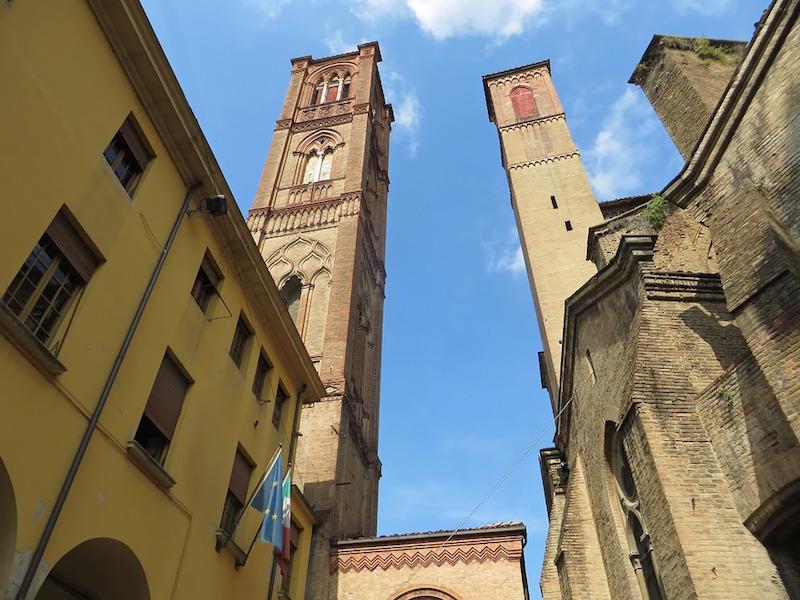 De 10 mooiste plekken van Bologna vind je in dit artikel