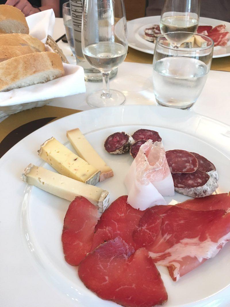 Genieten van de Valdostaanse keuken in het restaurant van het Forte di Bard
