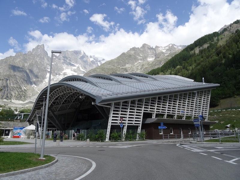 Het basisstation van de Skyway bij Courmayeur