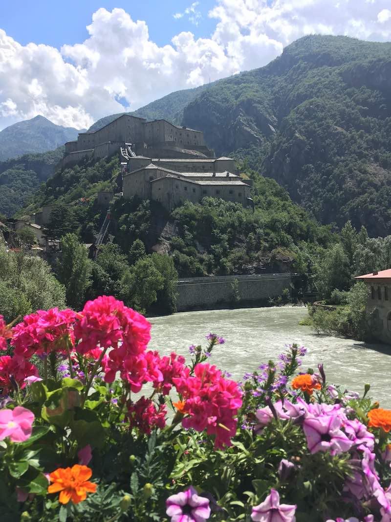 Het Forte di Bard ligt op een strategische plek in het Aostadal