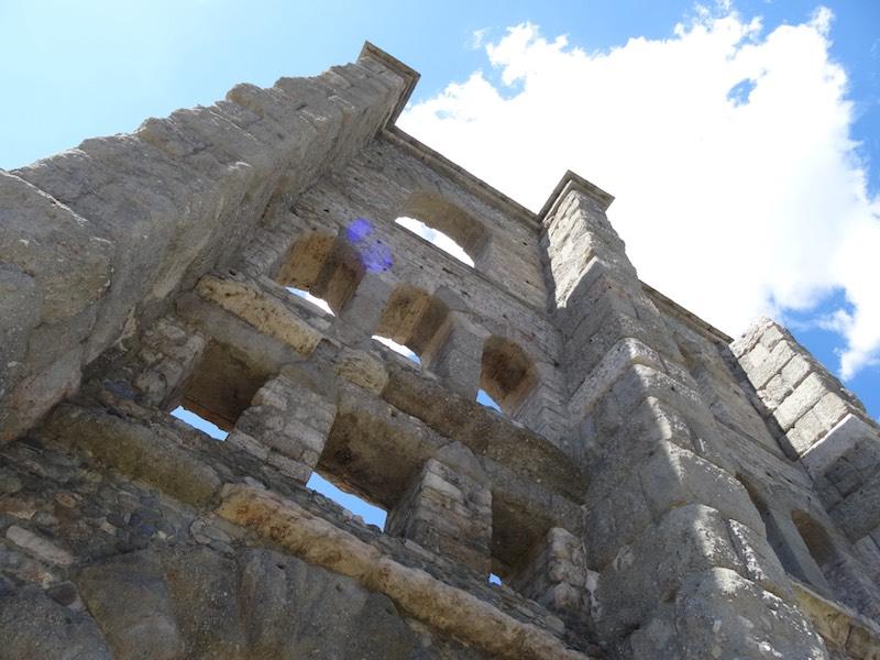 Gerestaureerde restanten van het Romeinse amfitheater in Aosta
