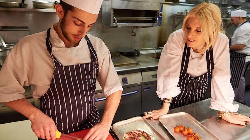 Laura Santtini in de keuken