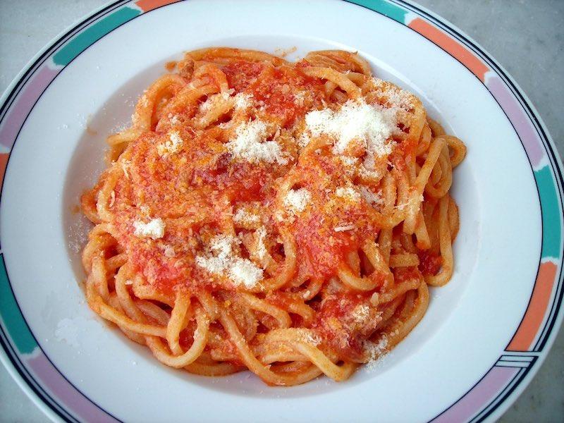 Pranzo - de meeste Italianen nemen tegenwoordig een eenvoudige lunch (