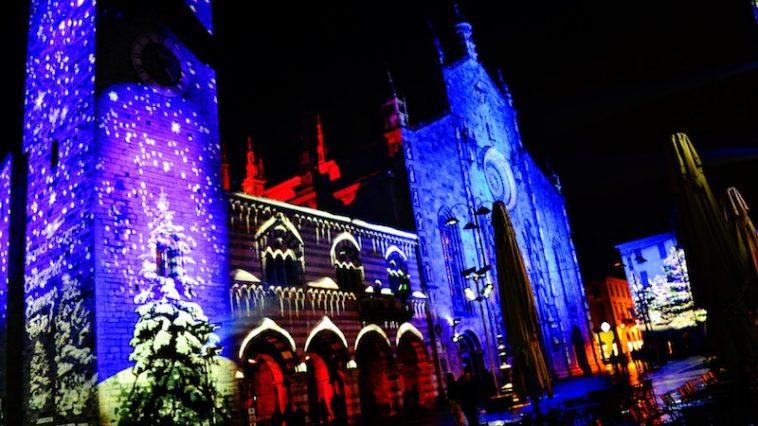 De Duomo van Como in kerstsferen