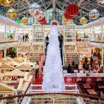 Een warenhuis in kerststemming