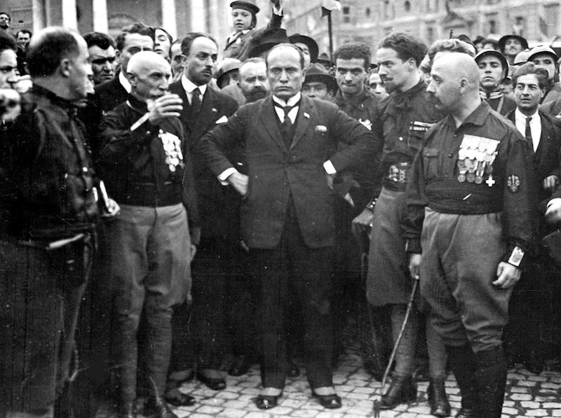 Mussolini bij de Mars op Rome