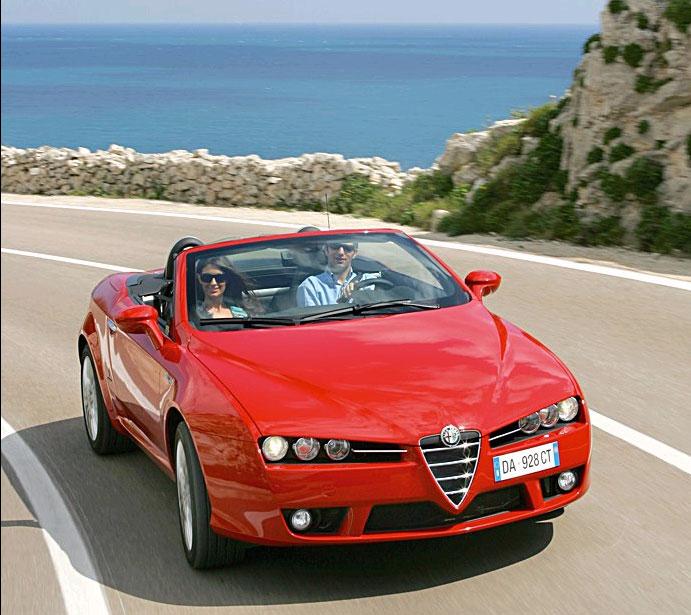 Een Alfa Romeo Spider huren: da's natuurlijk helemaal perfect