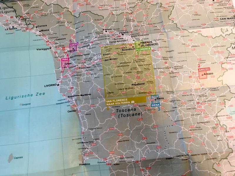 Inclusief uitneembare kaart van Toscane