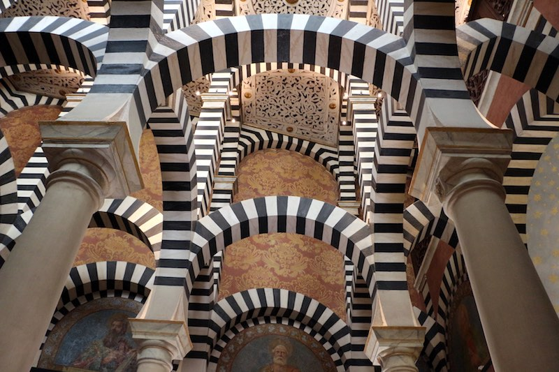 Het interieur in Moorse stijl van de Rocchetta Mattei