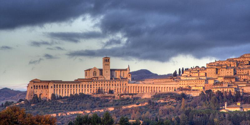 De skyline van Assisi