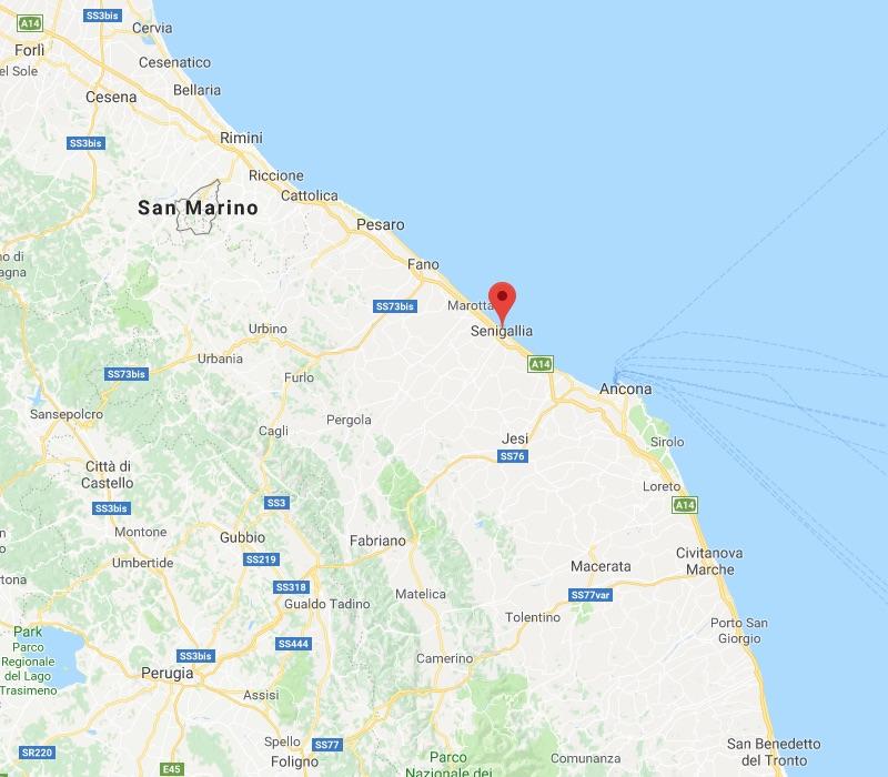 De ligging van Senigallia aan de Adriatische kust