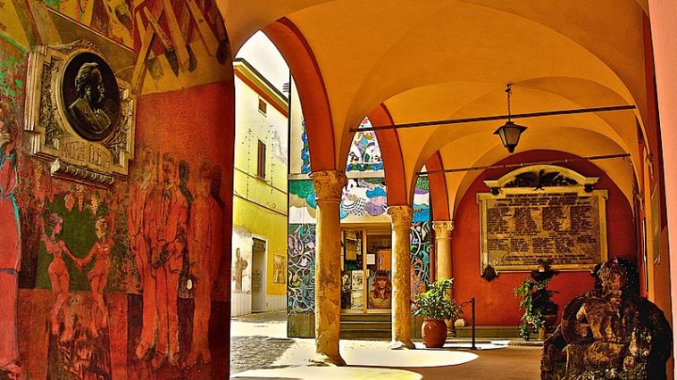 Festival van de geverfde muren in Dozza