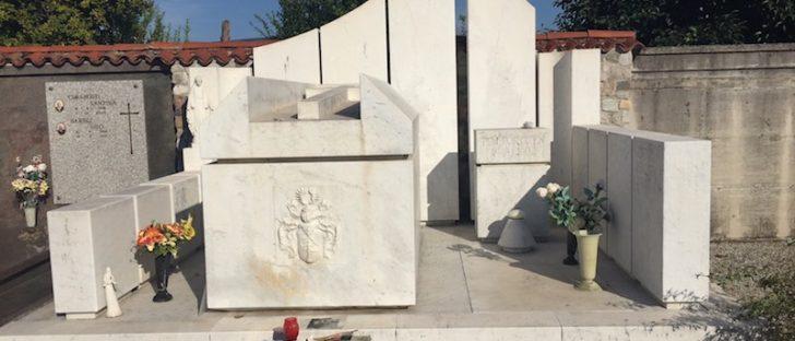 De graftombe van Pim Fortuyn in Provesano