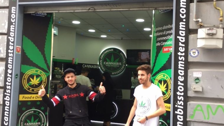 Cannabis Store Amsterdam in Napels