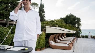 Toni Servillo speelt Silvio Berlusconi