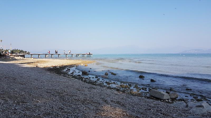 Gardameer ter hoogte van Peschiera inclusief steiger