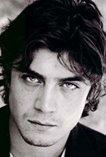 Riccardo Scamarcio speelt Federico