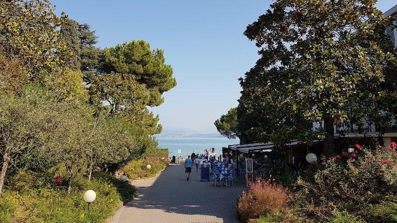 Uitzicht vanaf Camping Bella Italia op het Gardameer