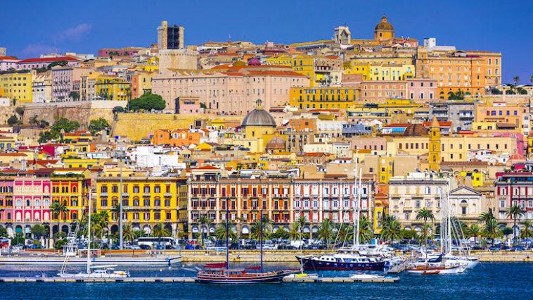 De haven van Cagliari op Sardinië