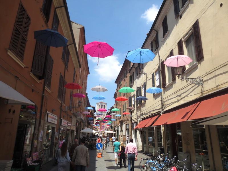 Gezellige straten in Ferrara