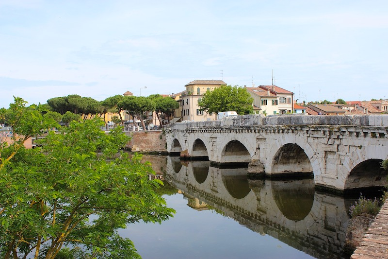 De Tiberiusbrug in Rimini