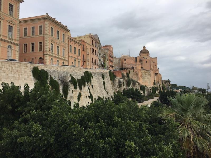 Zicht op Castello vanaf Bastione Saint Remy - Cagliari