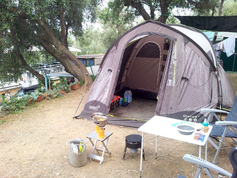 Old school kamperen bij Camping San Sebastiano