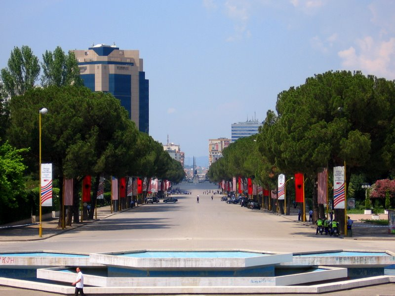 Boulevard Deshmorët e Kombit Tirana