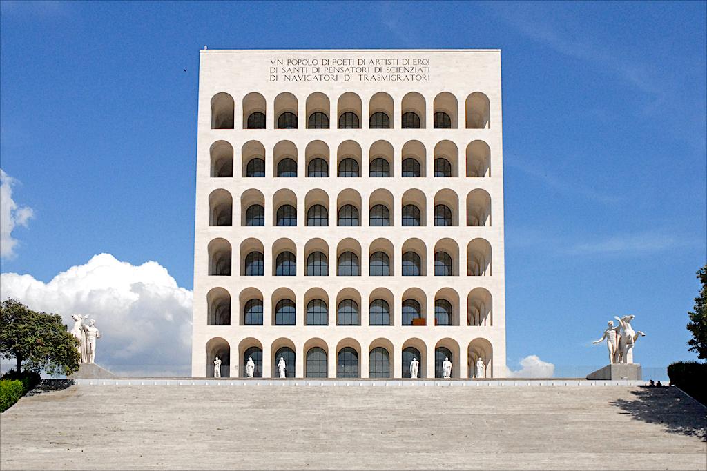 Colosseo Quadrato in EUR