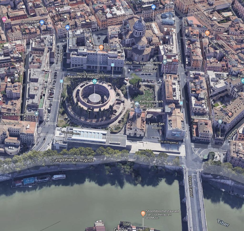 Piazza Augusto Imperatore aan de Tiber