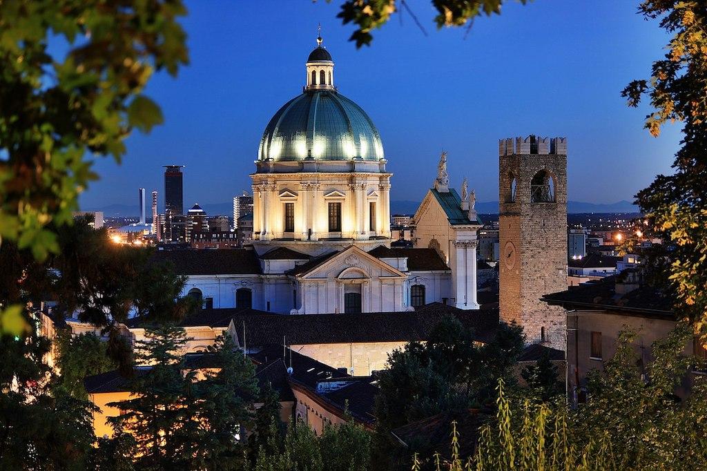 Piazza del Duomo in Brescia