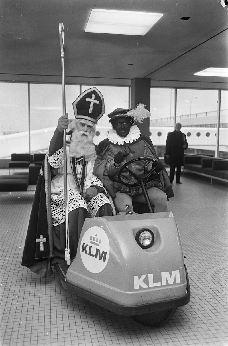 Godfried Bomans als Sinterklaas