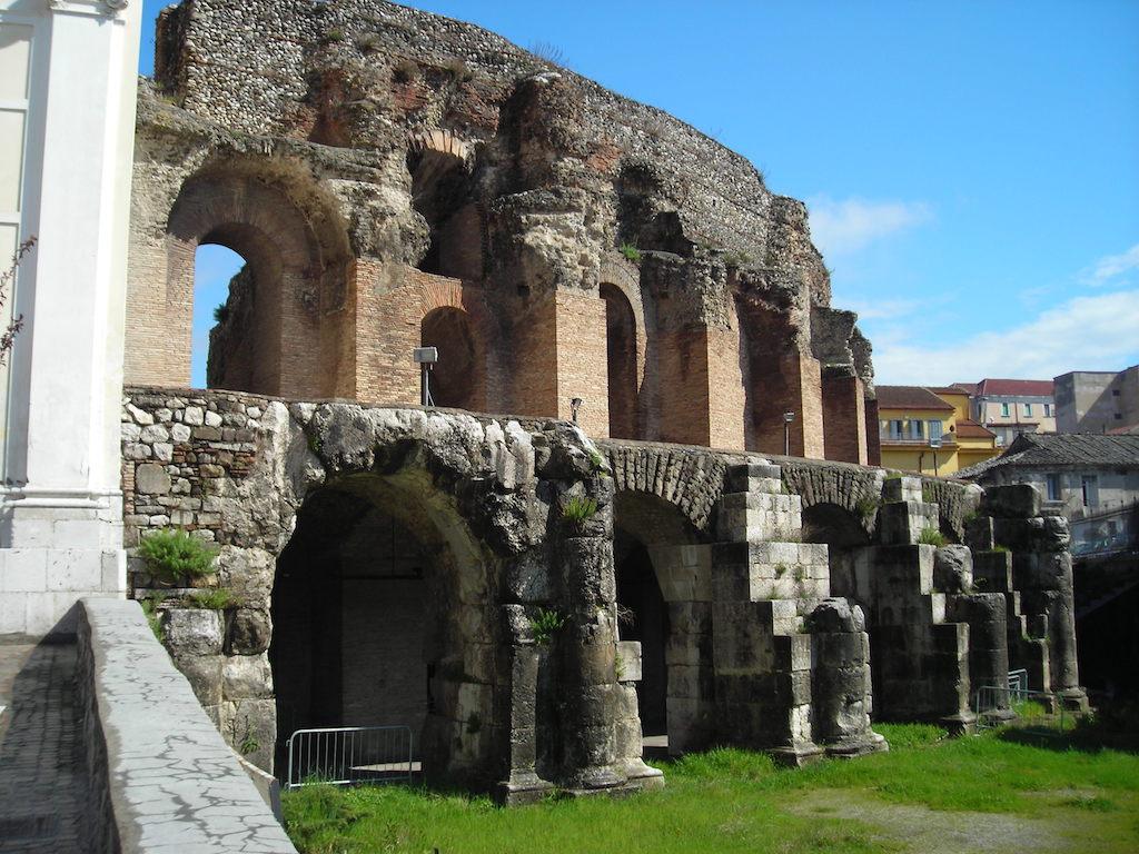 Romeins theater van Beneventum