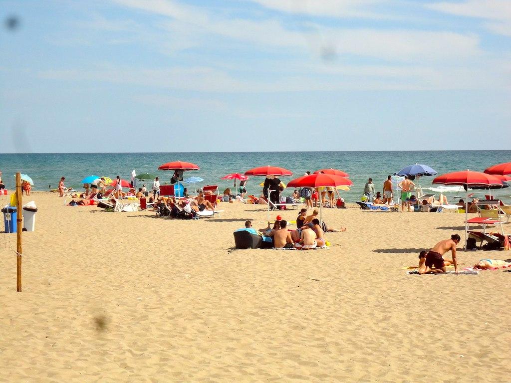 Het strand van Ostia bij Rome