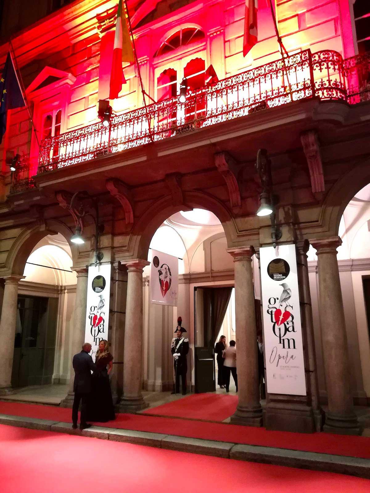naar de opera in Pavia