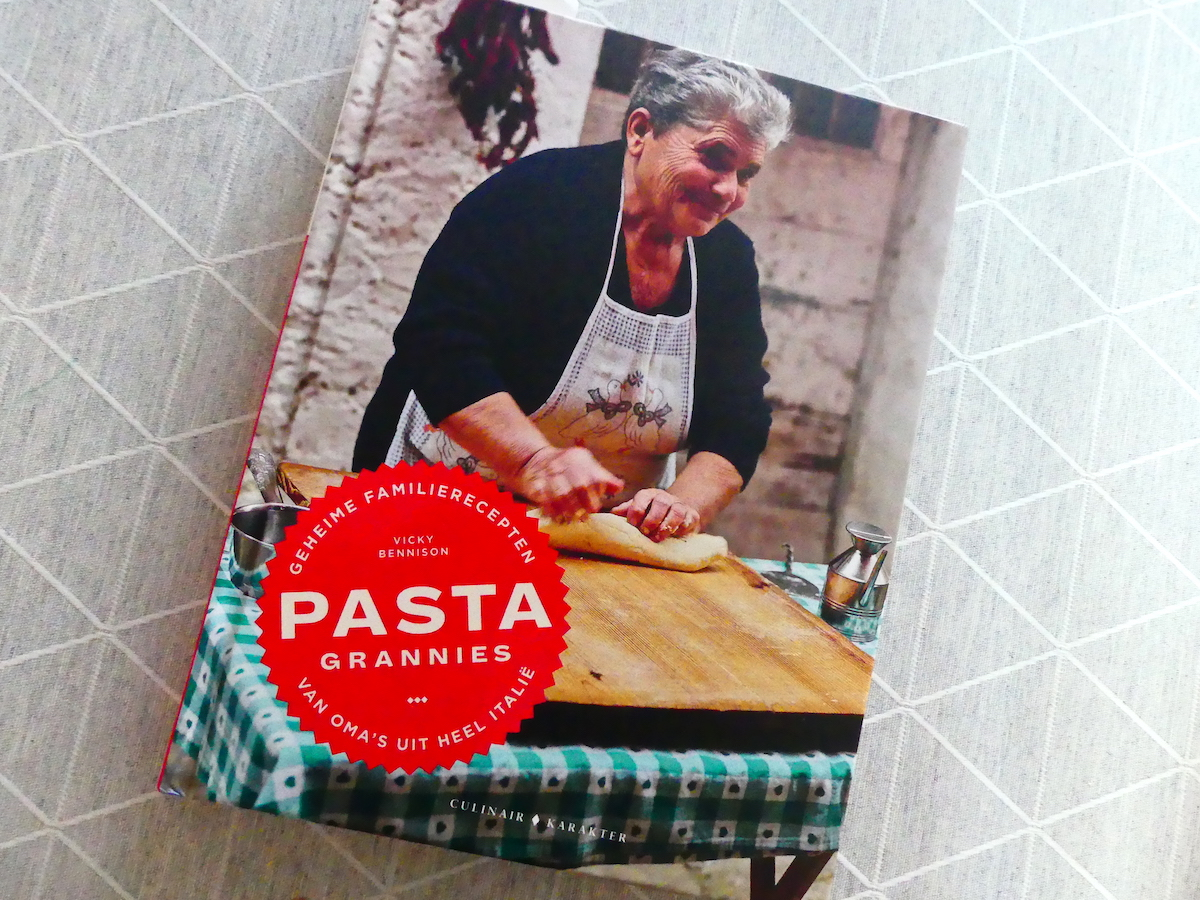 Pasta Grannies kookboek 01
