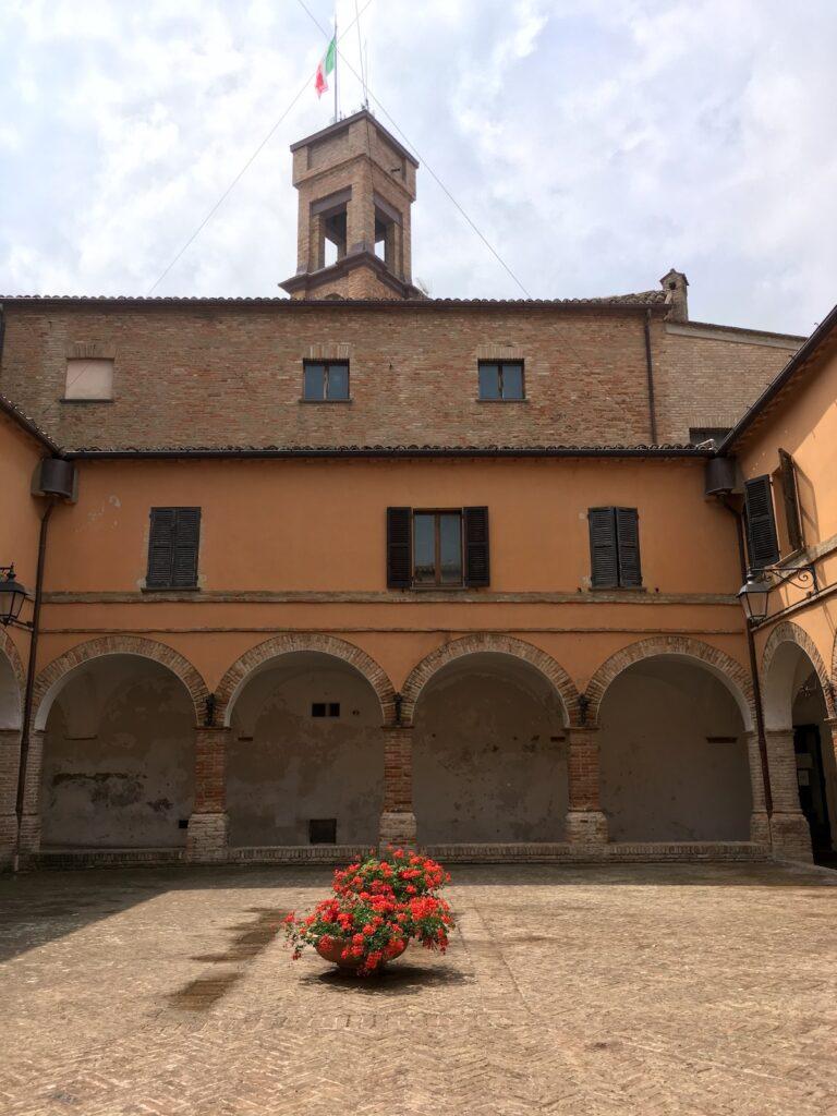 Binnenhof klooster Mondavio